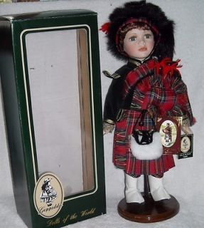Geppeddo Porcelain Dolls of the World GAVIN MIB Scotland Bagpipes