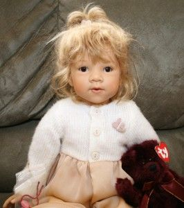 Gotz Goetz Amelie German 21 Doll Blonde Hair Brown Eyes Elizabeth