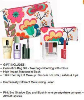 NEW Clinique 7 Piece Gift Set, 2 bags, mascara, eye shadow blush duo