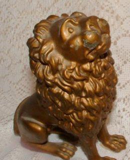 VINTAGE CAST METAL BRONZE TONE HEAVY LION WITH GREAT DETAILS