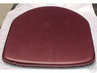 CHAIR SEAT PAD #16S WHITE VINYL NON SKID GRIPPER BACKING 15X15 NO TIES