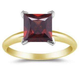 1.26 Cts Garnet Solitaire Ring in 14K Yellow Gold 3.0