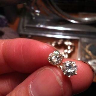 Sparkly Diamond Stud Earrings 14k Yellow Gold 1 Carat