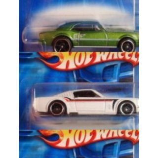 Hot Wheels Detailed Diecast 65 Ford Mustang Fastback