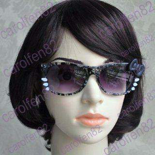 Hello Kitty Sunglasses   Black zig zag print white
