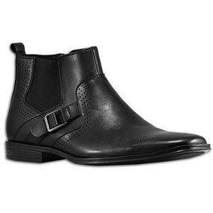 Make a big first impression in the Stacy Adams Mason, a casual shoe
