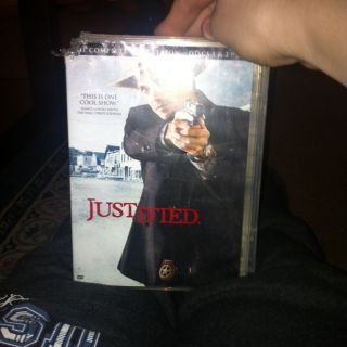Justified The Complete First Season DVD 2011 3 Disc Set