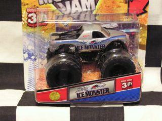Hot Wheels 2012 Ice Monster w Topps Card Monster Jam Truck