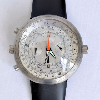 Ikepod Marc Newson MCT33 Mens Titanium Grey Rubber Band Megapode Watch