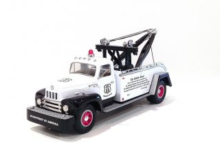 FIRST GEAR 1957 INTERNATIONAL TOW TRUCK 1 34 SCALE Route 66