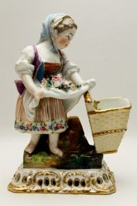 Circa 1800s Jacob Petit Fontainebleau French Flower Girl Porcelain