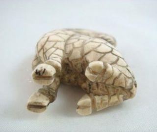 Vintage Hand Carved Ox Bone Japanese Netsuke Foo Dog Lion Shishi