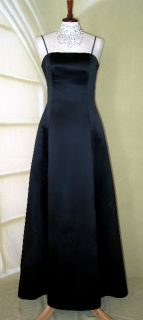 Jessica McClintock Black White Satin Swirl Gown Size 2