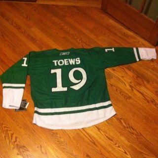 New Jonathan Toews Green St Patricks Day Holiday Hockey Jersey XXL 54 Blackhawks