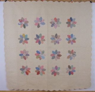 Large 1930s Dahlia Applique Quilt Feedsack Juvenile