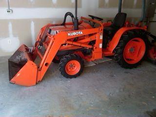 Kubota B2150 Tractor in Ladysmith VA