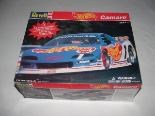 Revell Hot Wheels Camaro Avon 1 64 Scale Open Assembled