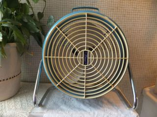 VINTAGE Lakewood Blue Metal Fan w Metal Stand Sweet Retro Piece Works