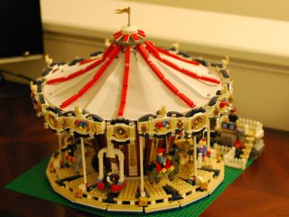 Lego Grand Carousel 10196 Complete w Instruction Manuals