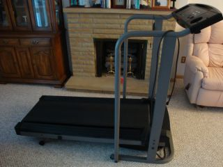 Lifestyler Expanse 800 Treadmill. Programable Incline. Excellent