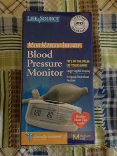LifeSource Mini Manual Inflate Blood Pressure Monitor UA704V NEW FREE