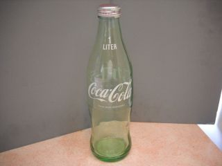 Vintage Japanese 1 Liter green curved glass Coca Cola Bottle with Cap