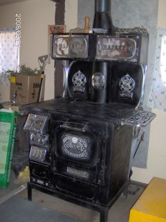 1875 Majestic #644 Antique Wood Burning Stove   Cast Iron with Chrome