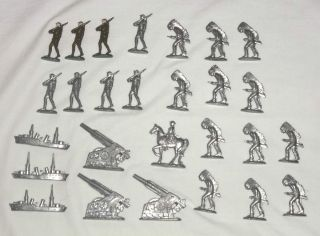 Mixed lot of 27 Recast Lead Figures   Soldiers, Indians, Cannons