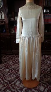 vtg Ivory Satin 1920s Flapper Wedding Dress Gown UNIQUE SCALLOPED HEM
