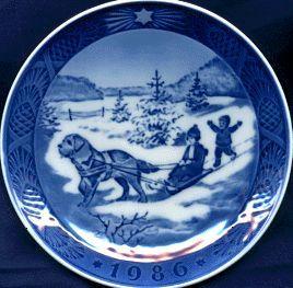 1986 Royal Copenhagen Annual Plate Christmas Vacation Kai Lange