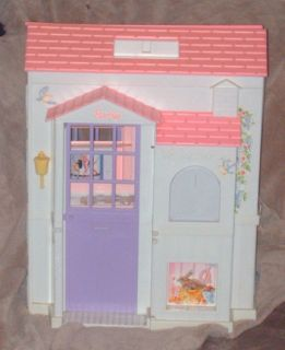 1996 Barbie Pretty Folding Doll House Folds Out to 3 Rooms Mattel