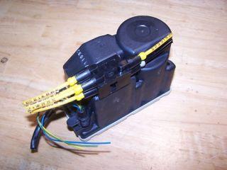 Mercedes door lock vacuum pump w124 560 420 320 300 w201 190 190e w126