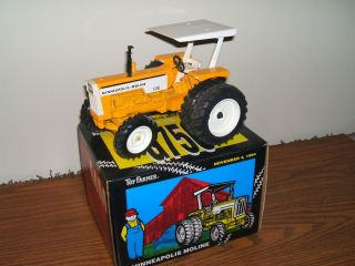 Minneapolis Moline White Oliver Farm Toy Tractor G750 FWA Ertl SP Ed