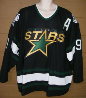 MIKE MODANO 9 Dallas Stars Authentic Hockey Jersey Sz 54 Fight strap