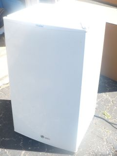 Hmse03waww 3.3 Cu ft Refrigerator/freezer, White (Mini Fridge/Freezer