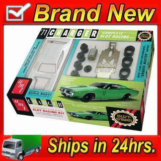 AMT 784 71 1971 Dodge Charger RT Slot Car Race Kit 1/25 Scale AMT785
