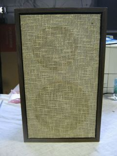 Vintage Speaker, wood case cloth front, no label as to maker