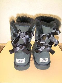 UGG BAILEY BOW BLACK WOMEN BOOT US 8 / EU 39 / UK 6.5