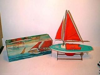 MOTOR SAILER BOAT BATTERY OPERATED NEAR MINT IN BOX