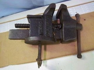 ANTIQUE BENCH VISE. COLUMBIAN VISE & MANUFACTURING No 143