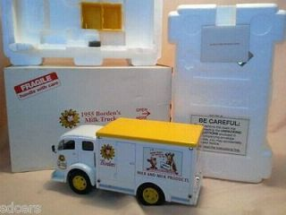 Danbury Mint 1955 White Bordens Milk Delivery Truck 124 scale New