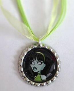 Boutique Bottlecap Necklace Monster High Scarah Screams Green