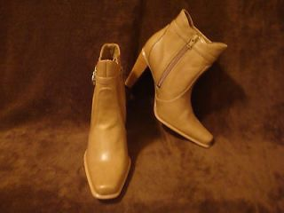 JOE BOXER ANKLE BOOTS * 3.5 HEEL * CAMEL COLOR Womens size 7