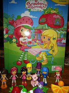 Strawberry Shortcake Story Book & Playset   12 Figures /cake topper