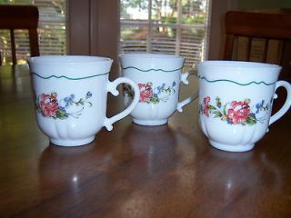 Set of 3 Arcopal France Mugs/Cups Green Scallop Peony Blossom design