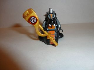 LEGO NINJAGO SKALIDOR W/GOLD STAFF Minifig 9450 minifigure Constrictai
