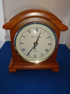 DANIEL DAKOTA WOOD MANTLE CLOCK, BATTERY OPERATED