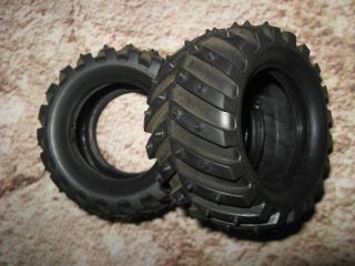 VINTAGE 2.0 SPIKED MUD TIRES REAR NEW CONDITION RC AE