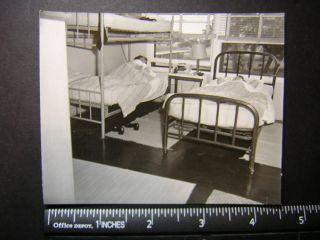 Photo 02598 teen girls sleep in dormitory bunk beds
