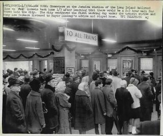1966 Long lines for train tickets due to transit strikes NY Press